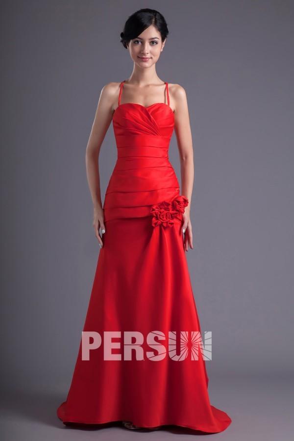 Robe demoiselle d'honneur rouge ornée de fleurs fait-main avec bretelle fine
