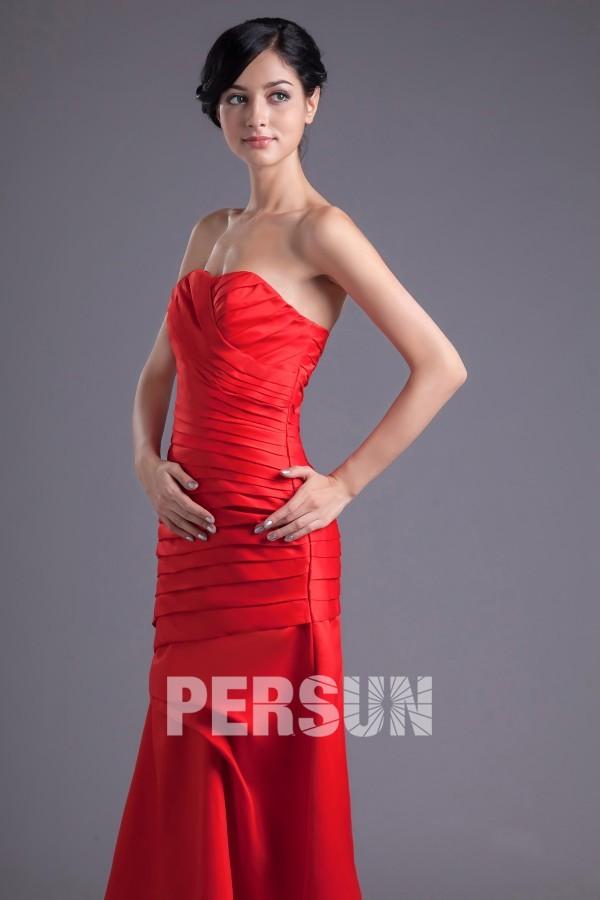 Robe soirée rouge longue plissée sans bretelle