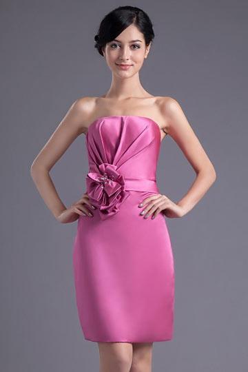 Robe demoiselle d'honneur rose bustier en satin ornée de fleur fait main