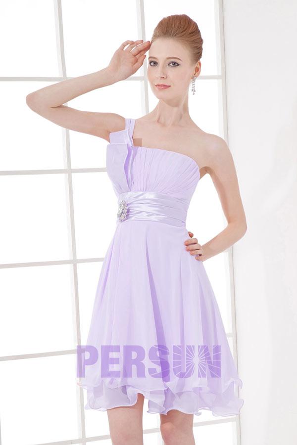 robe de dame dhonneur rose courte avec une bretelle orn e. Black Bedroom Furniture Sets. Home Design Ideas