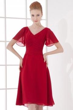 Robe courte rouge col en V avec manche évasée courte