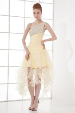 Robe de bal courte jaune pâle asymétrique à volants