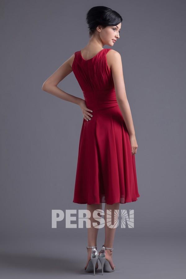 Robe mi longue rouge foncé plissée à col oval