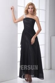 Robe noire demoiselle d'honneur ruchée à seule épaule