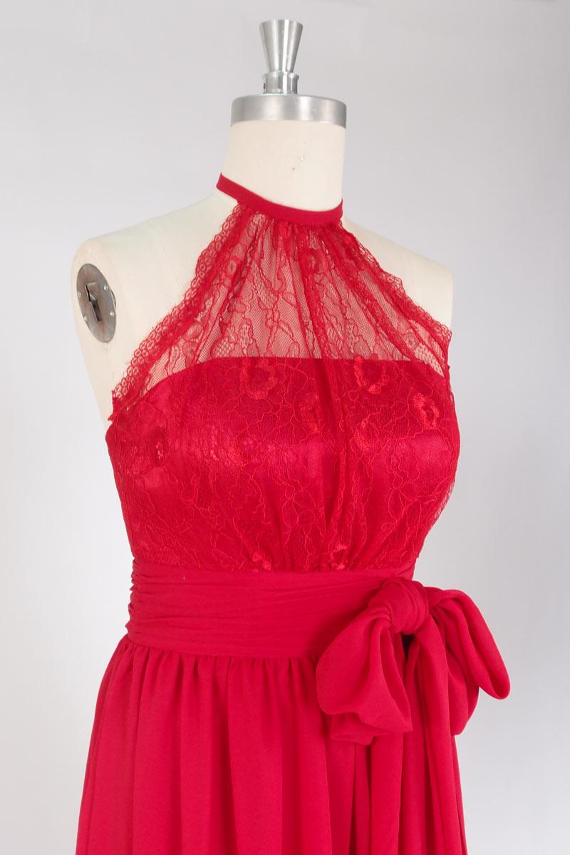 robe rouge haut couvert de dentelle col halter pour témoin mariage