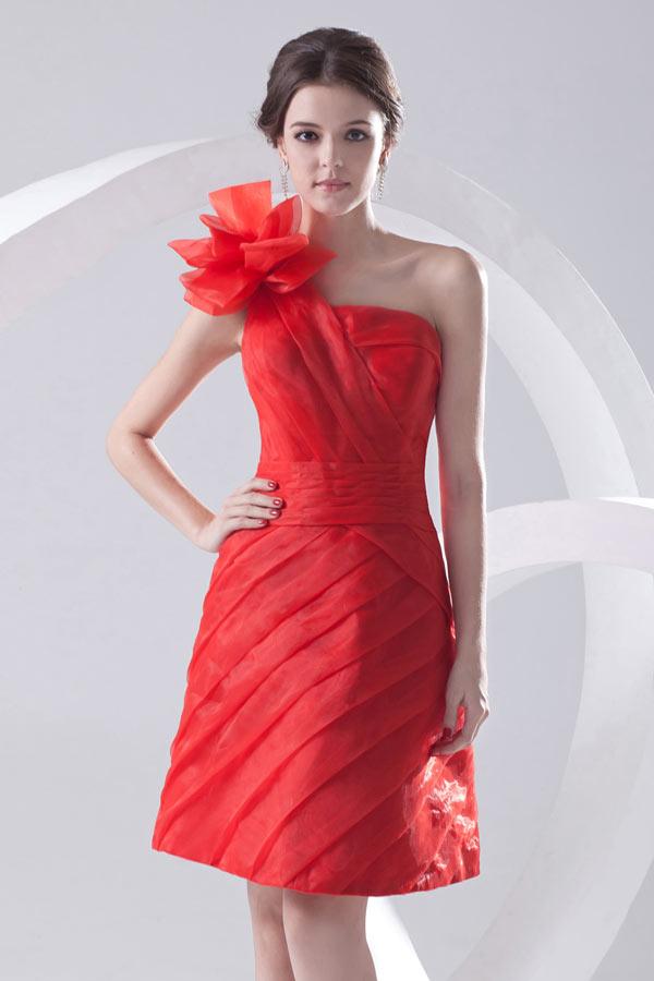 Robe demoiselle d'honneur rouge en organza à seule épaule
