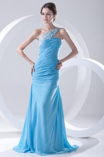 Robe longue de soirée bleu encolure asymétrique ornée de fleur