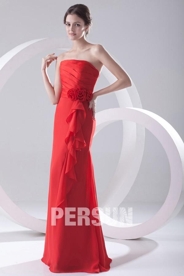 Robe rouge plissée ornée de fleurs sans bretelle longue sol