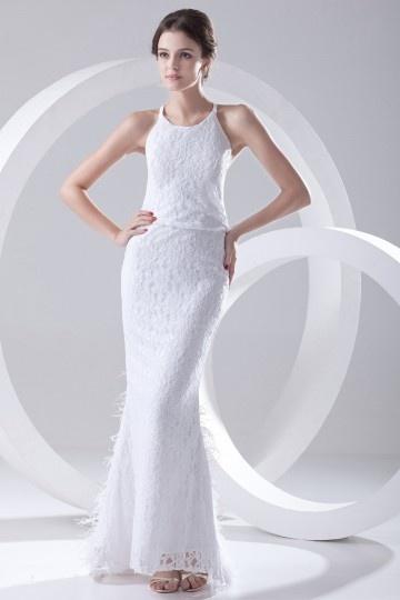 robe de mariée fourreau en dentelle à jupe orné de plumes
