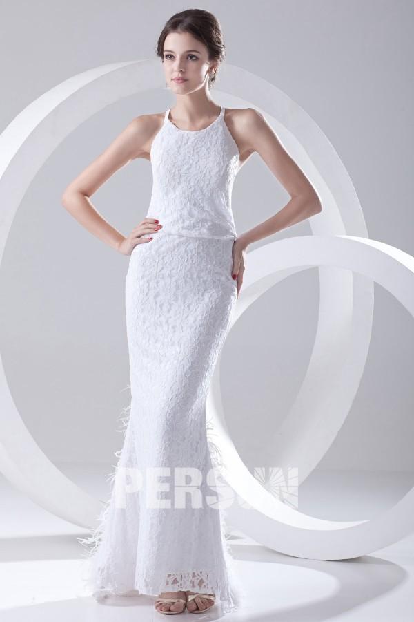 Robe de mariée dentelle sirène à col rond parée de plumes