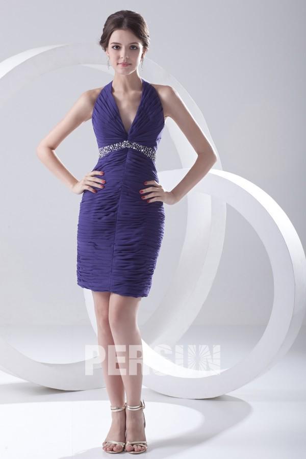 Mini robe soirée fourreau col américain ornée de bijoux