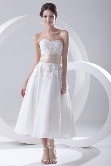 Robe de mariée bustier coeur ornér de fleurs