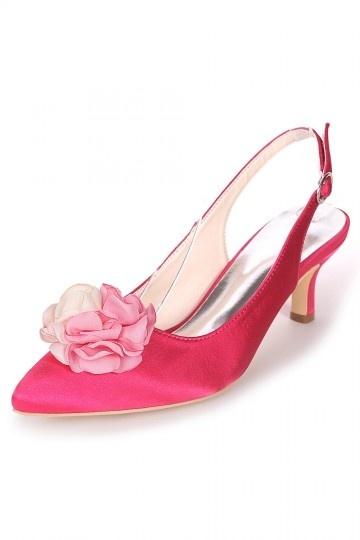 Slingback rose bonbon orné de pétales pour mariage