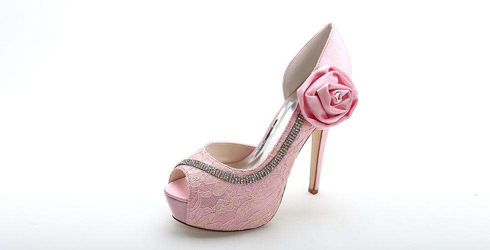 escarpin rose pour mariage orné de fleur