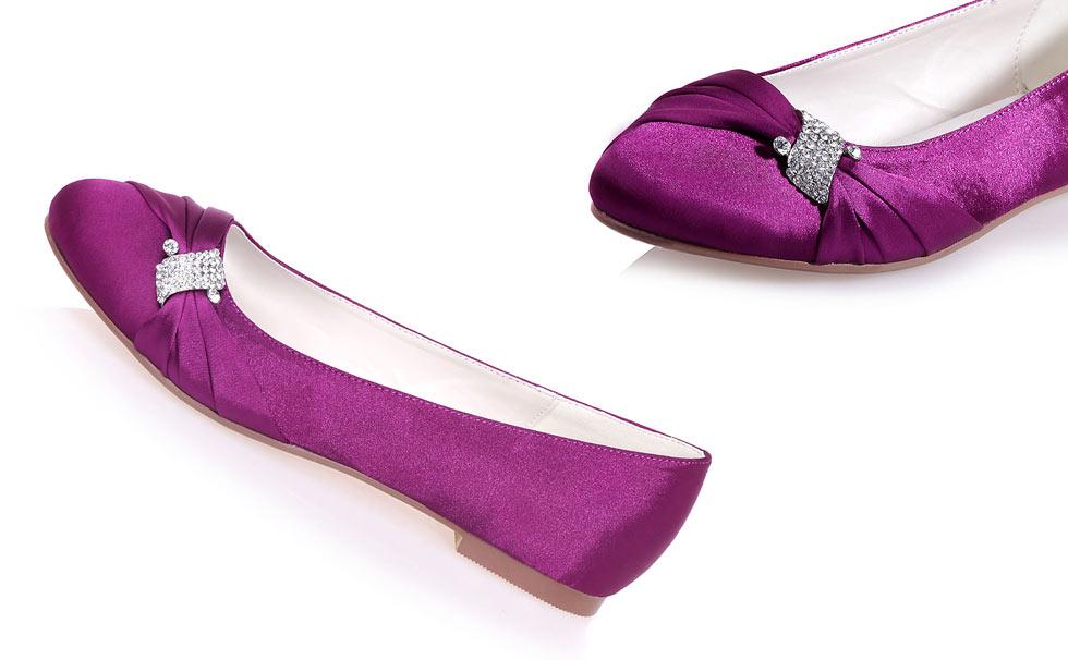 ballerine violette en satin ornée de strass pour mariage
